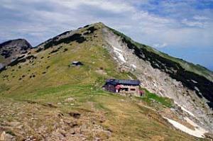 Blick auf die Weilheimer Hütte (1955 Meter)